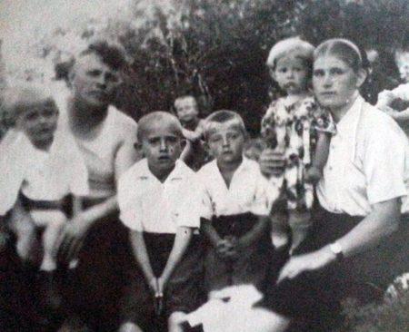 Семья Анатолия Тарасенко, жена и четверо детей